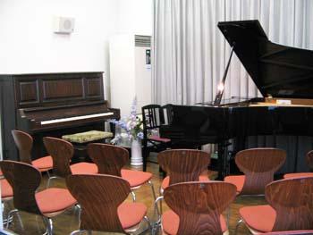 藤沢リラ6階ピアノスタジオ